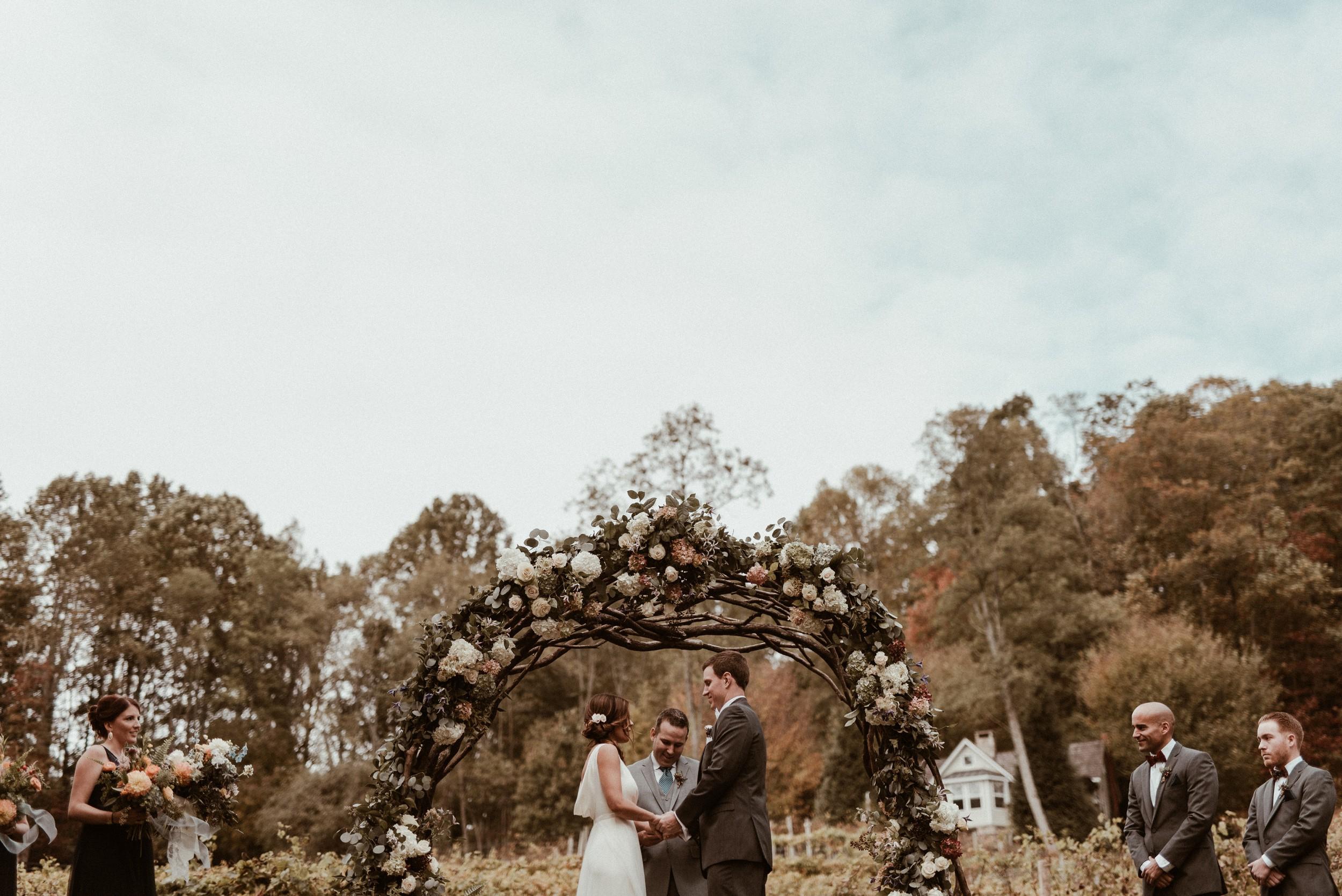 north-carolina-fall-vineyard-wedding-vanessaalvesphotography-75.jpg