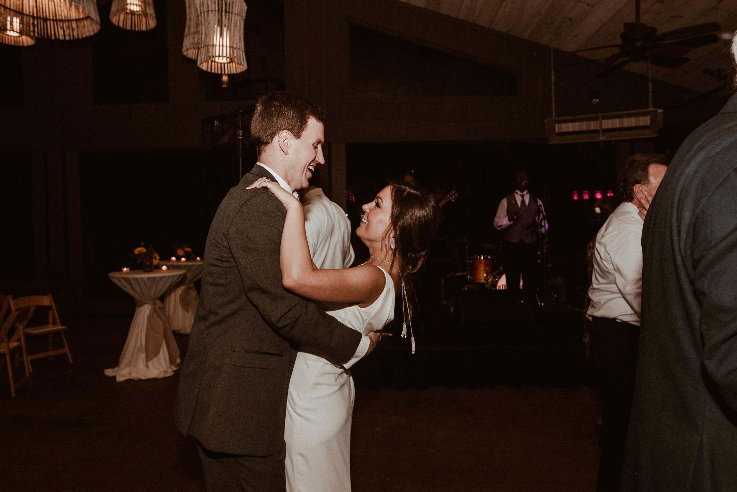 north-carolina-fall-vineyard-wedding-vanessaalvesphotography-129.jpg