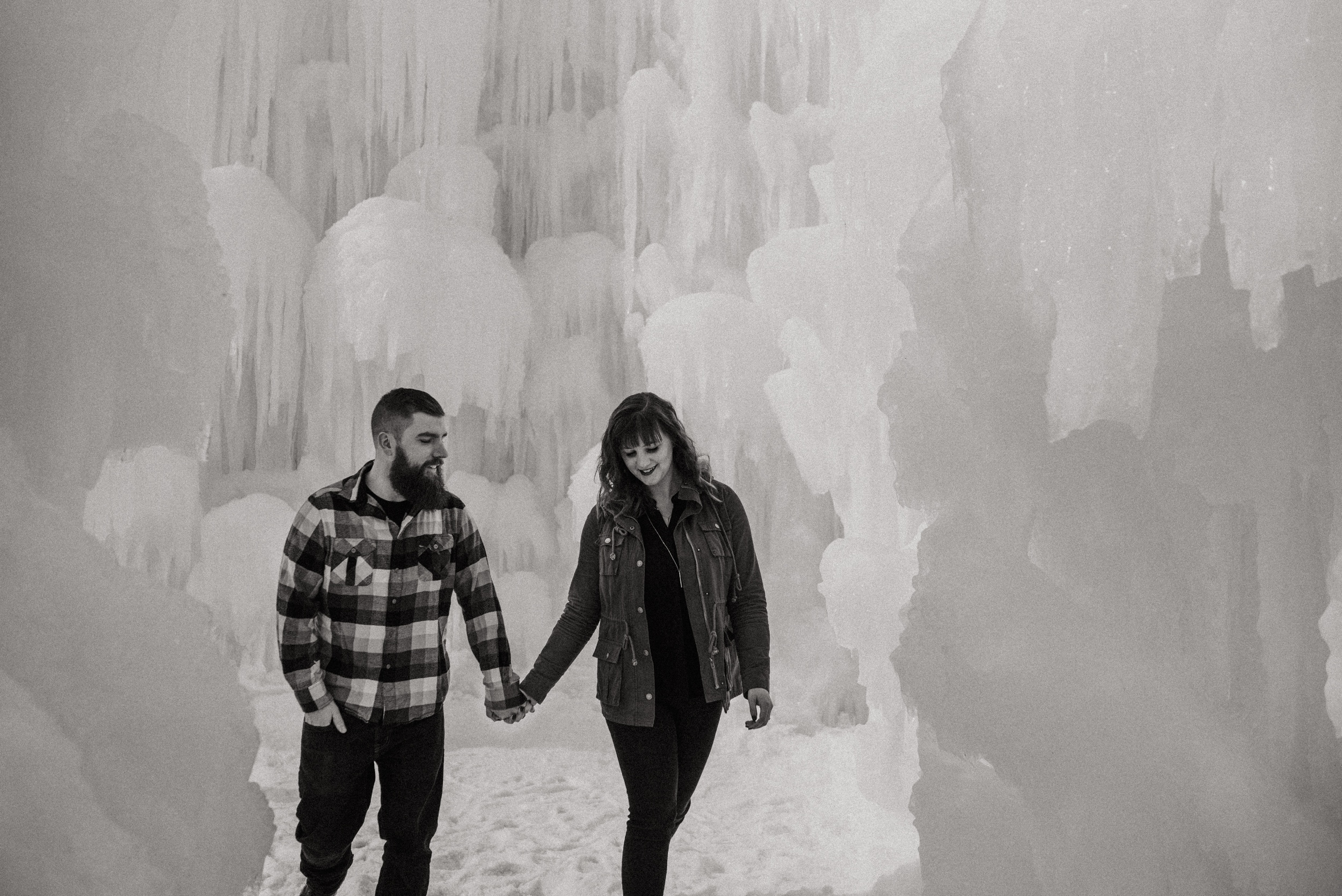 ice-castles-nh-engagement-session-boston-wedding-photographer-vanessa-alves-photography6.jpg