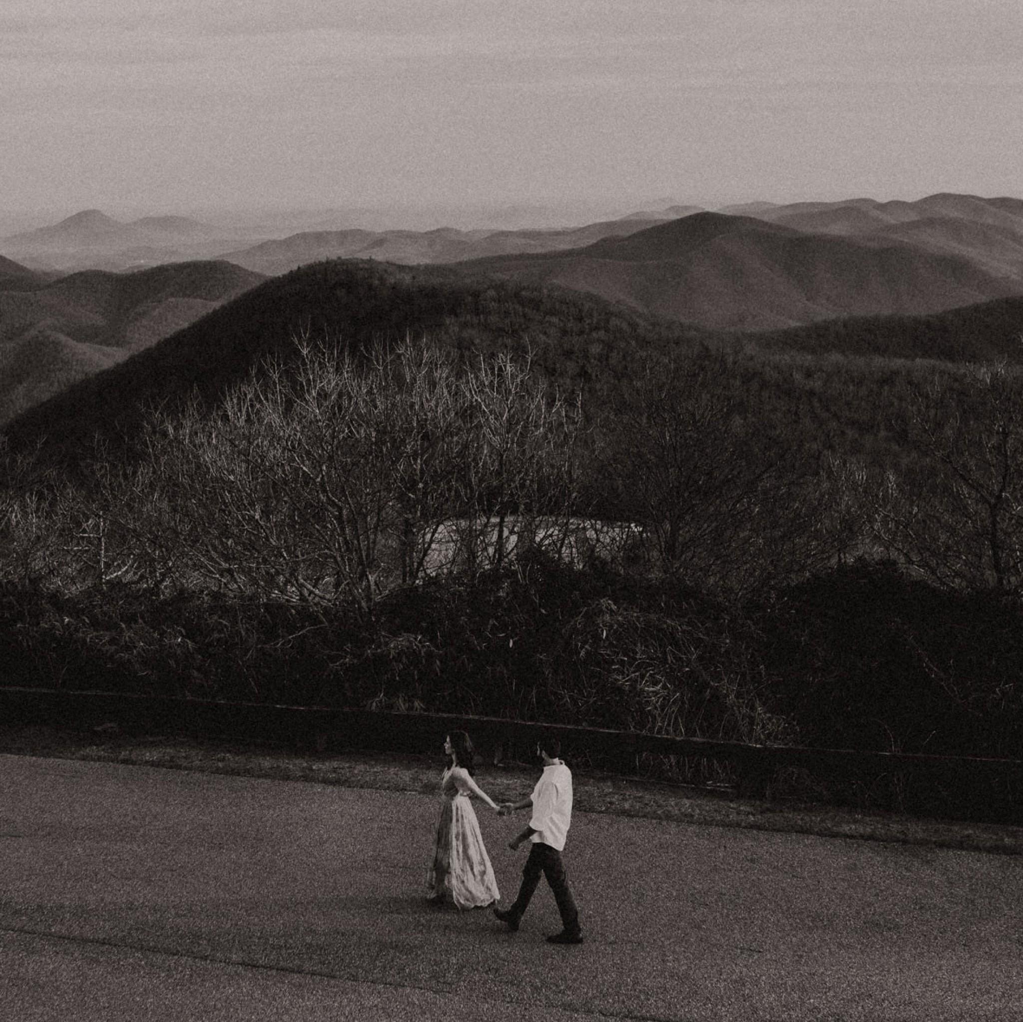 033118 - brittnee+ryan session-75-blue-ridge-moutains-engagement-brasstown-bald-wedding.jpg