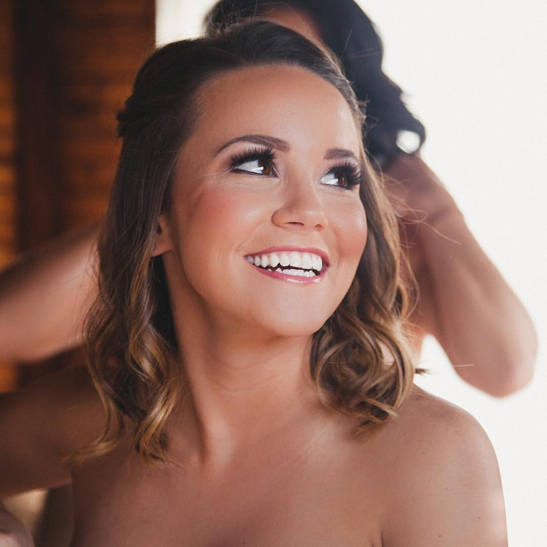 Smiling-dallas-fort-worth-bride-hair-makeup.jpg