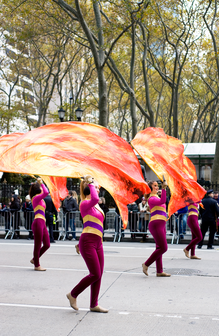 macy-day-parade-elah-tree-style-09.jpg