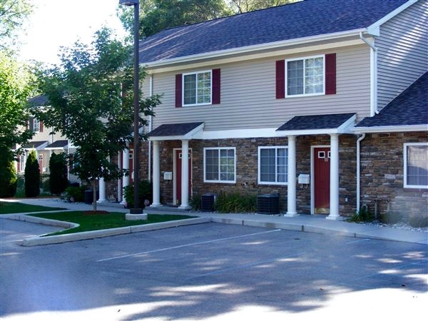 Rivers Bluff Townhomes - Mt. Pleasant, MI