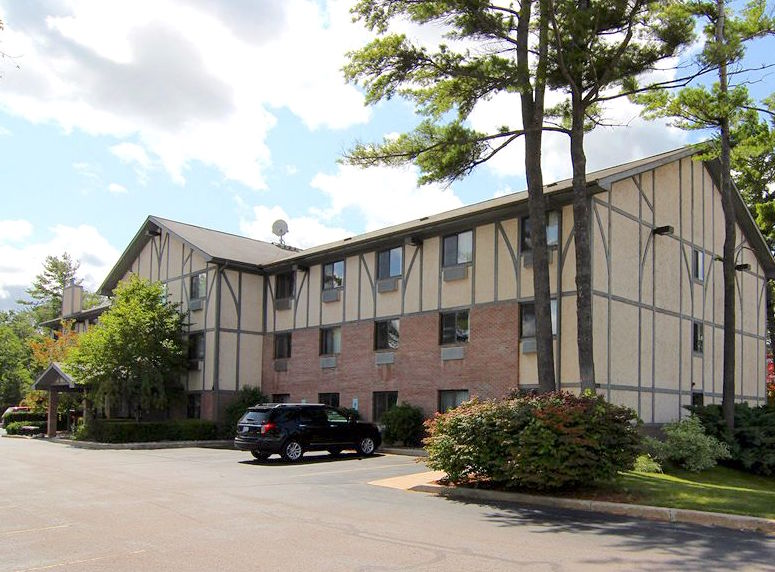 Super 8 Motel - Traverse City, MI