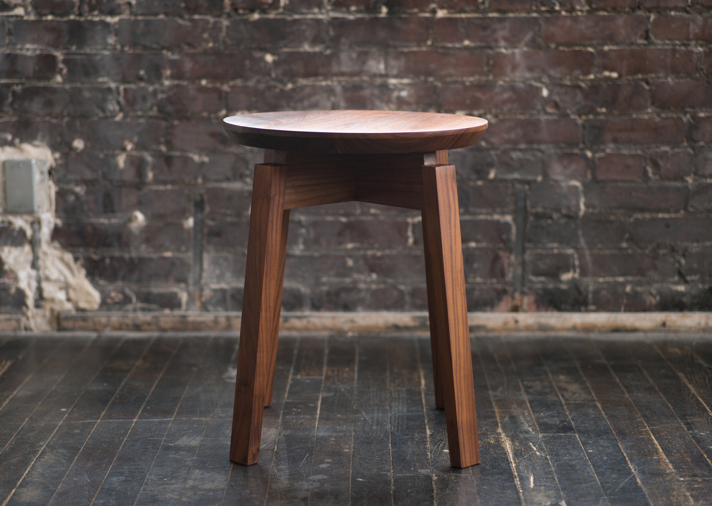 ROSWELL STOOL