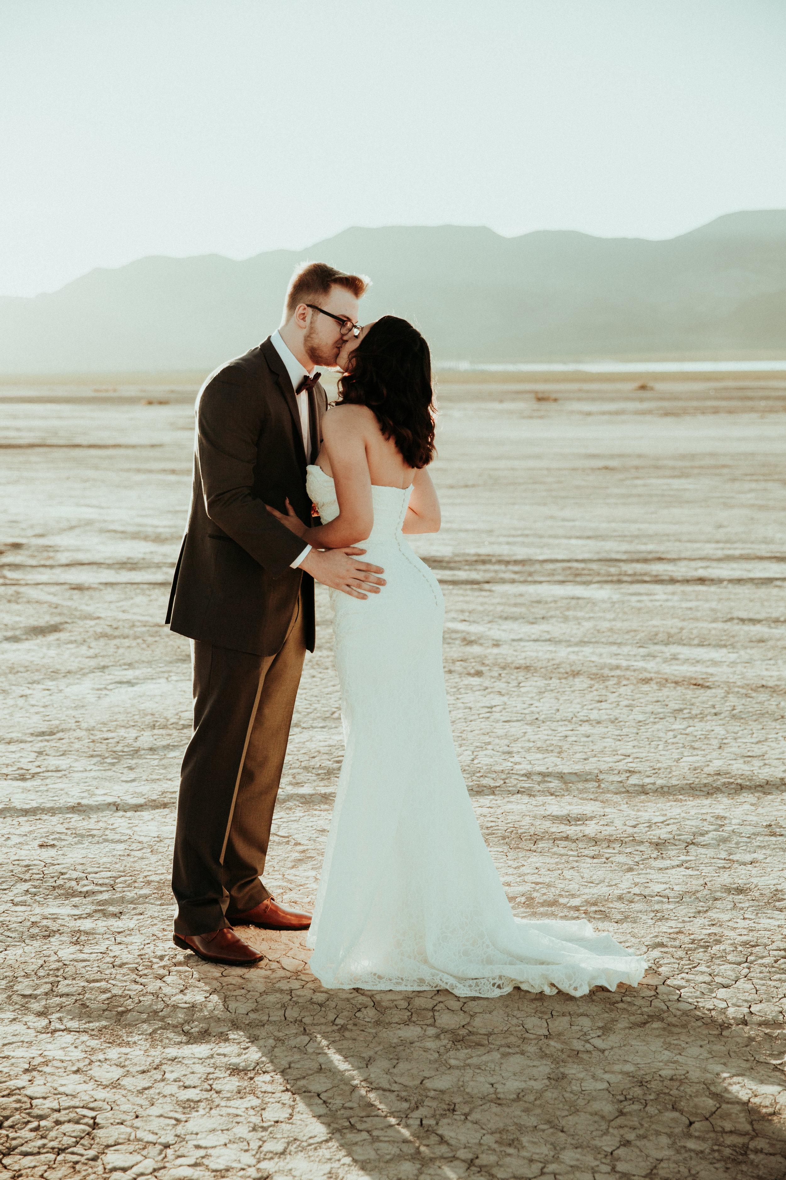Las Vegas Wedding - Daniel + Jessica - Henderson Wedding Photographer - Seattle Wedding Photographer - Oregon Elopement Photographer - First Look