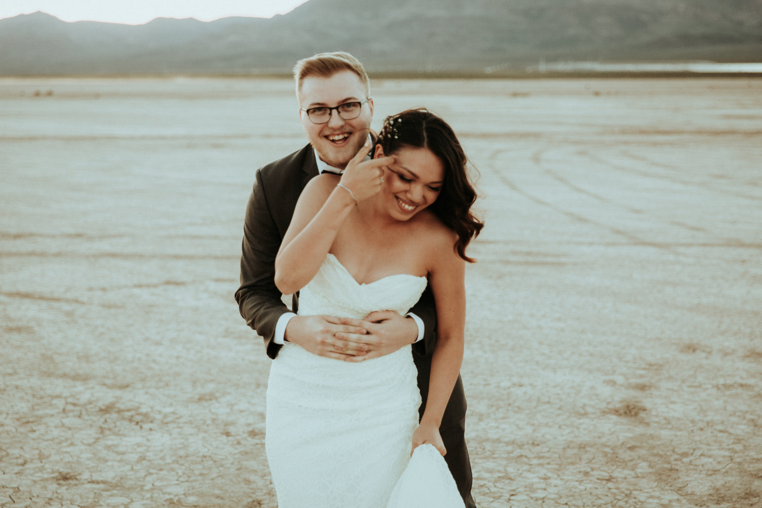 Las Vegas Wedding Photographer - Henderson, NV - Seattle Wedding Photographer - PNW Wedding Photographer - Kamra Fuller Photography - First Look - Portrait Session - Unposed Field Guide