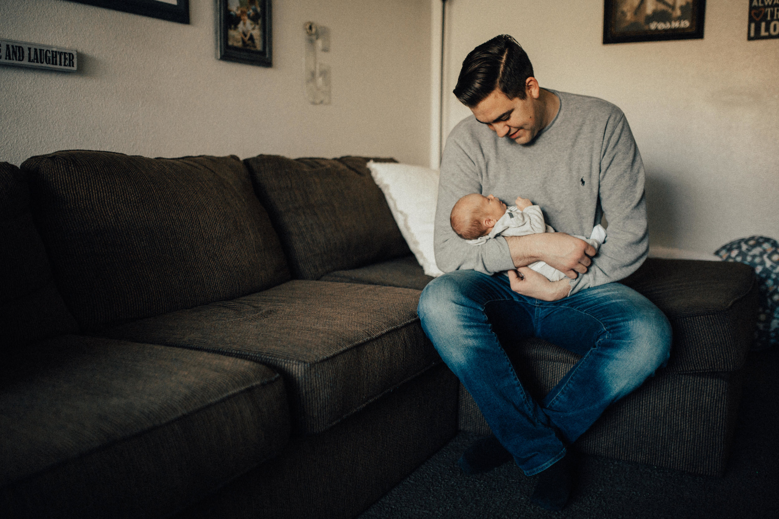 Seattle Newborn Photographer - Lifestyle Newborn Photography - In-Home Family Session - Seattle Lifestyle Photographer - Seattle Family Photographer - In Home Lifestyle Newborn Session - 39