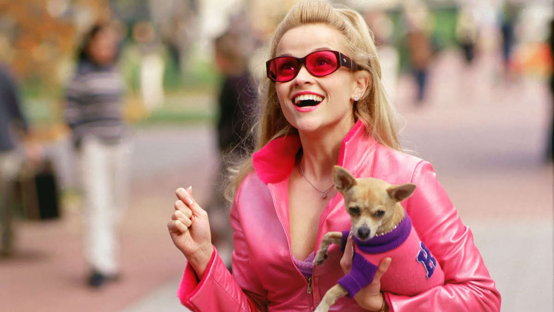 635890746067610566-802553916_legally-blonde-reese-witherspoon-as-elle-woods.jpg