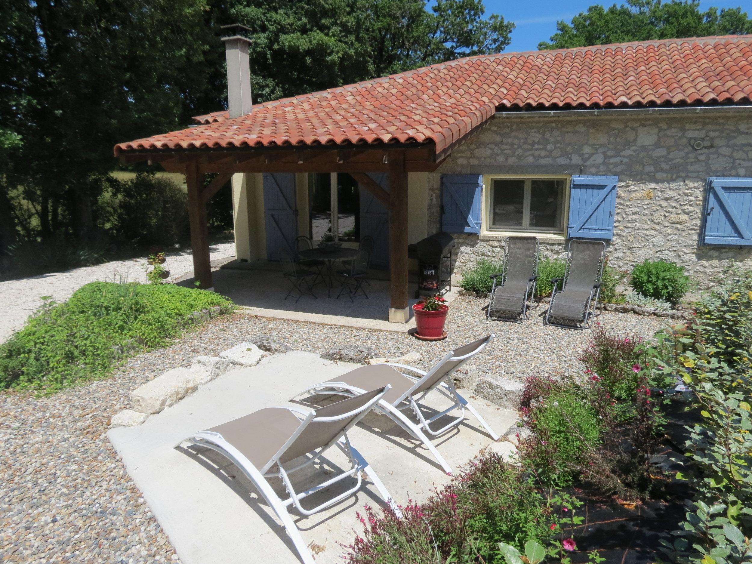 Cottage terrace 2.JPG