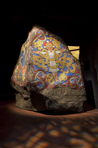 400px-The_Jelling_Stone_-_VIKING_exhibition_at_the_National_Museum_of_Denmark_-_Photo_The_National_Museum_of_Denmark_(9084035770)