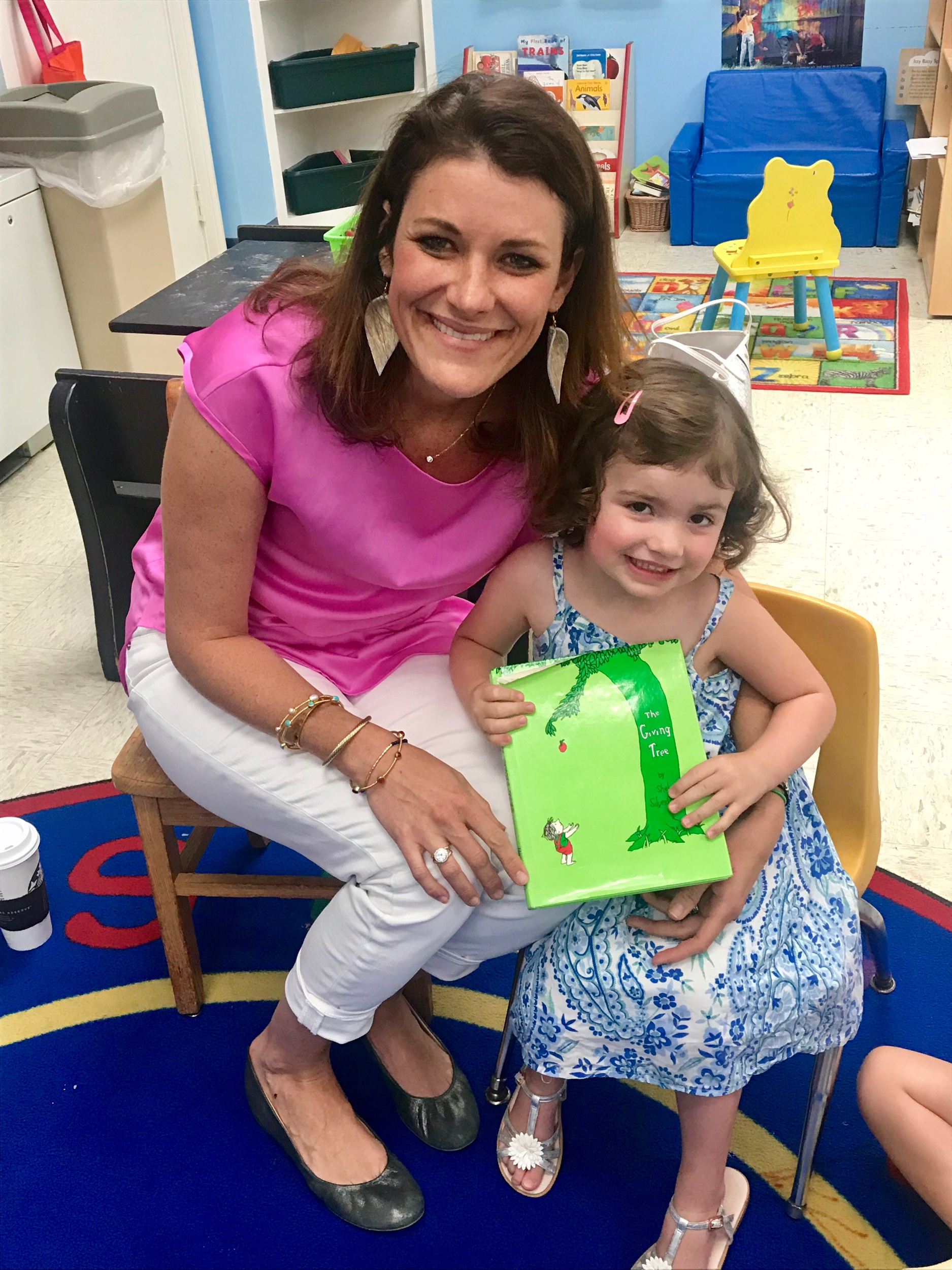 Annabelle's mom was also able to be a Mystery Reader this week too!