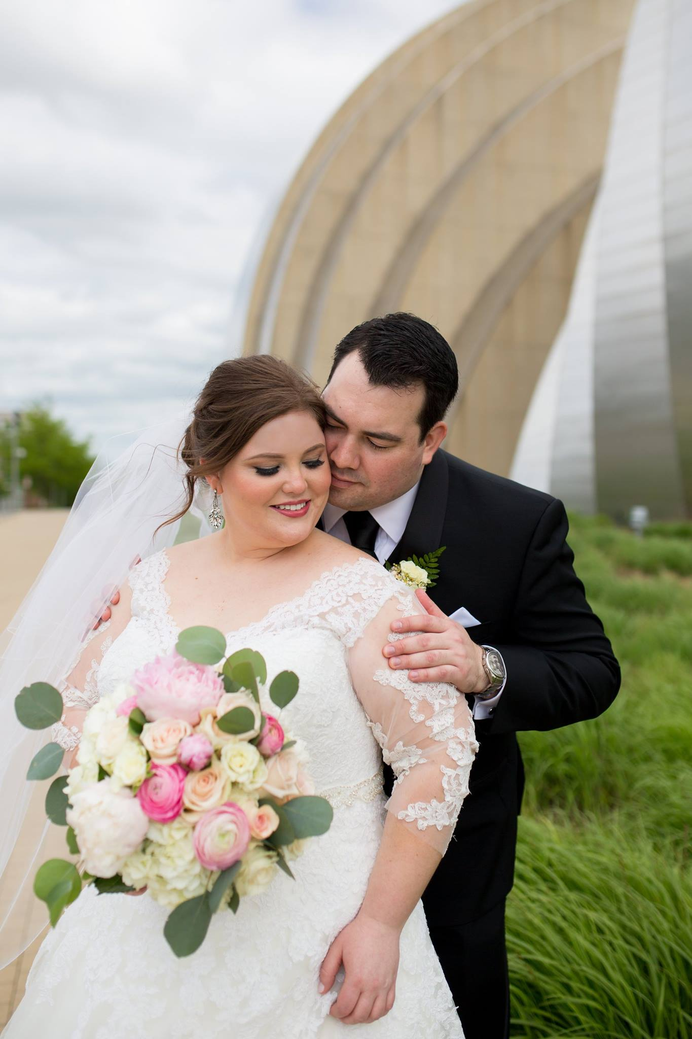 Plus Size Wedding Dress Kansas City | Plus Size Bridal Salon Kansas City | All My Heart Bridal