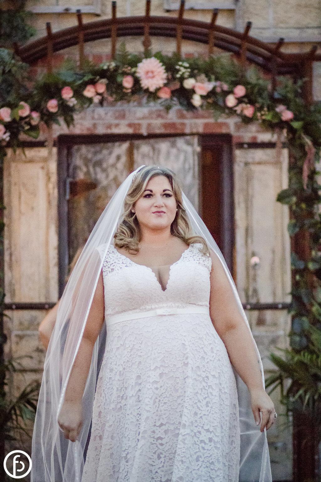 Plus Size Bride Kansas City