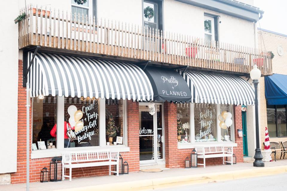 Pretty + Planned | Storefront in Parkville, MO