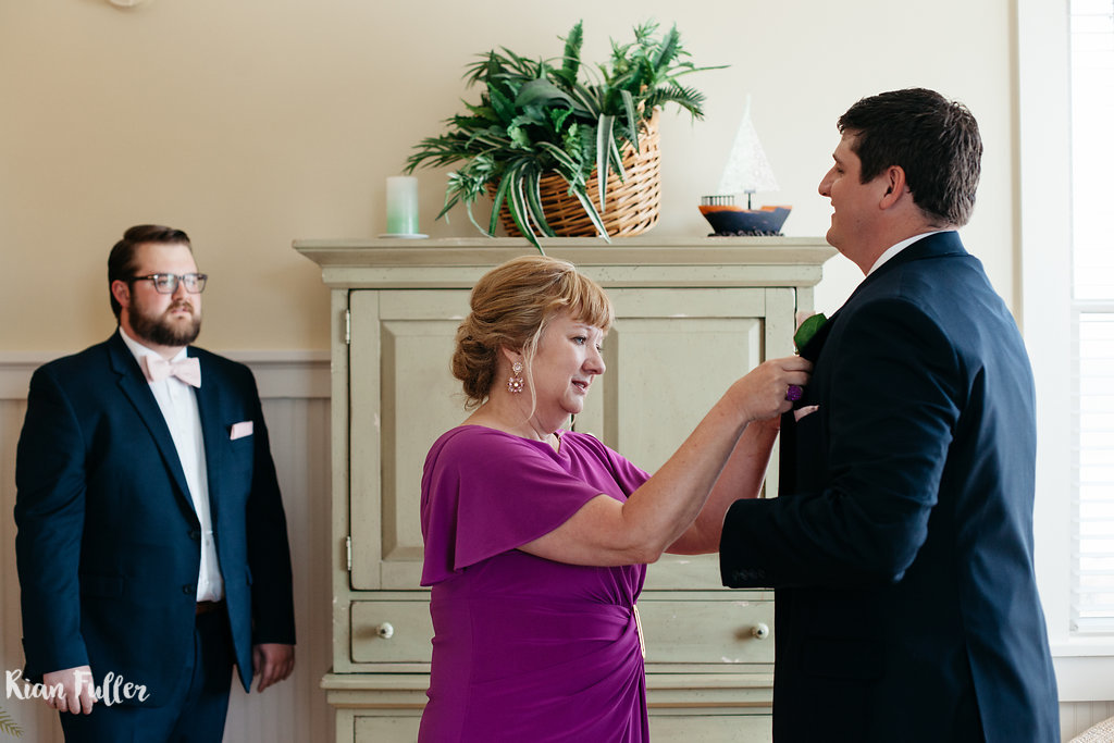 Mother-of-the-Groom Pinning Boutineers