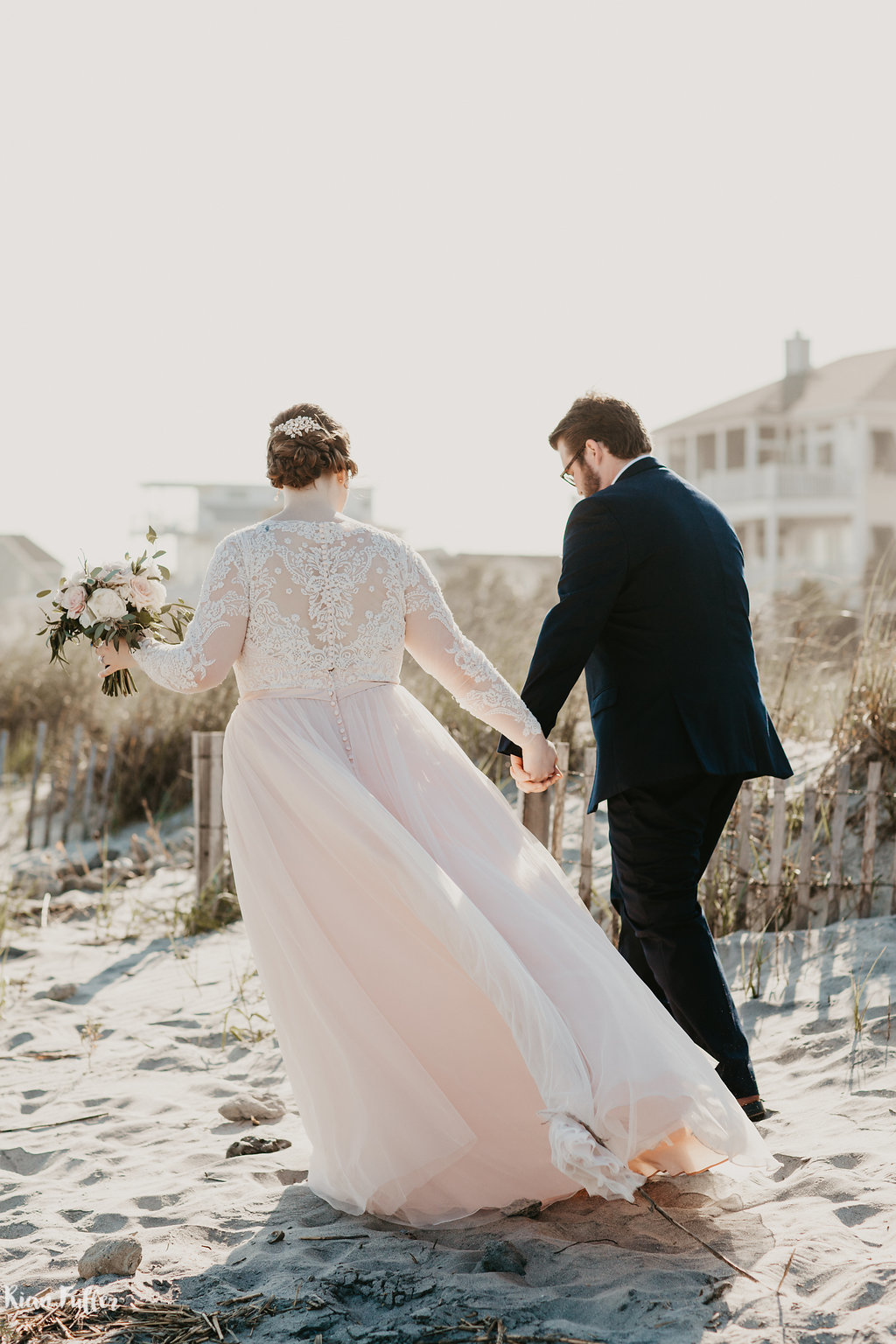 Bride & Groom On Beach | Rian Fuller Photography