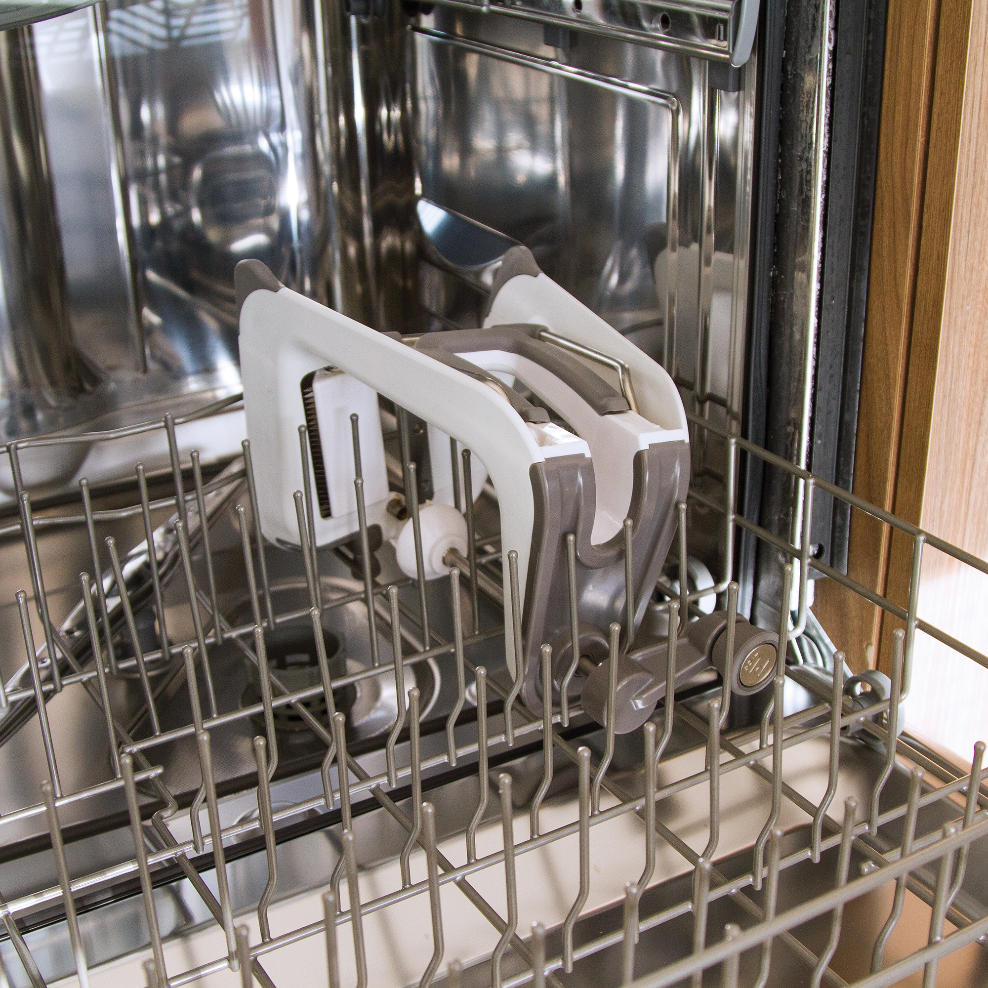 PL8-1099_inset(cleaning 7)Dishwasher.jpg