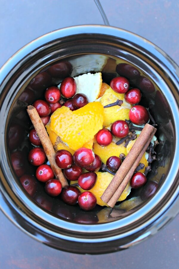 Natural Holiday Room Scents Made In The Crockpot