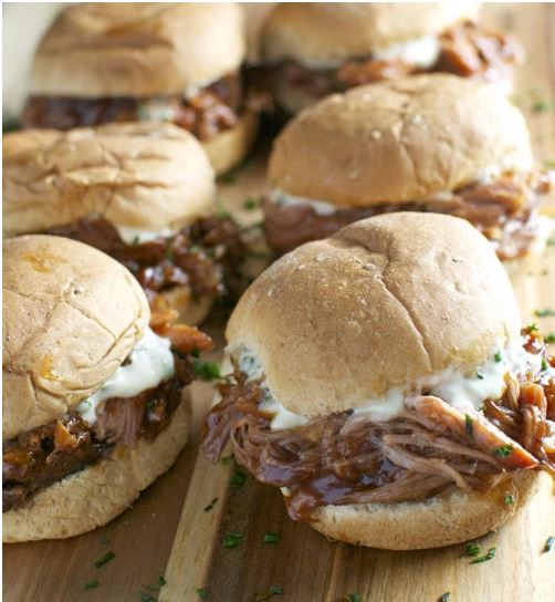 PULLED PORK SLIDERS WITH GARLIC AIOLI