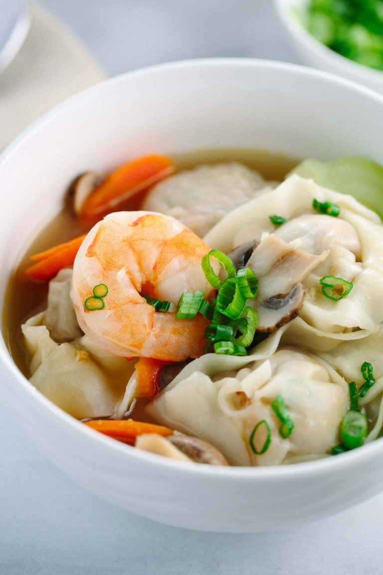 EASY HOMEMADE WONTON SOUP RECIPE