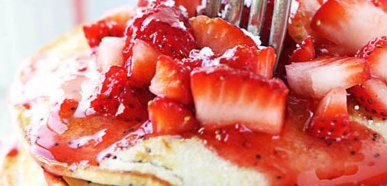 8rjmAohRz6QuLsLyf-Strawberry Lemon Poppyseed Pancakes.jpg