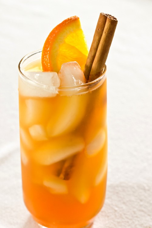 Cinnamon-Spiced Iced Tea