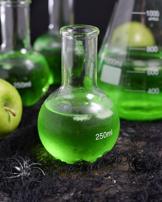 Poisoned Apple Cocktail