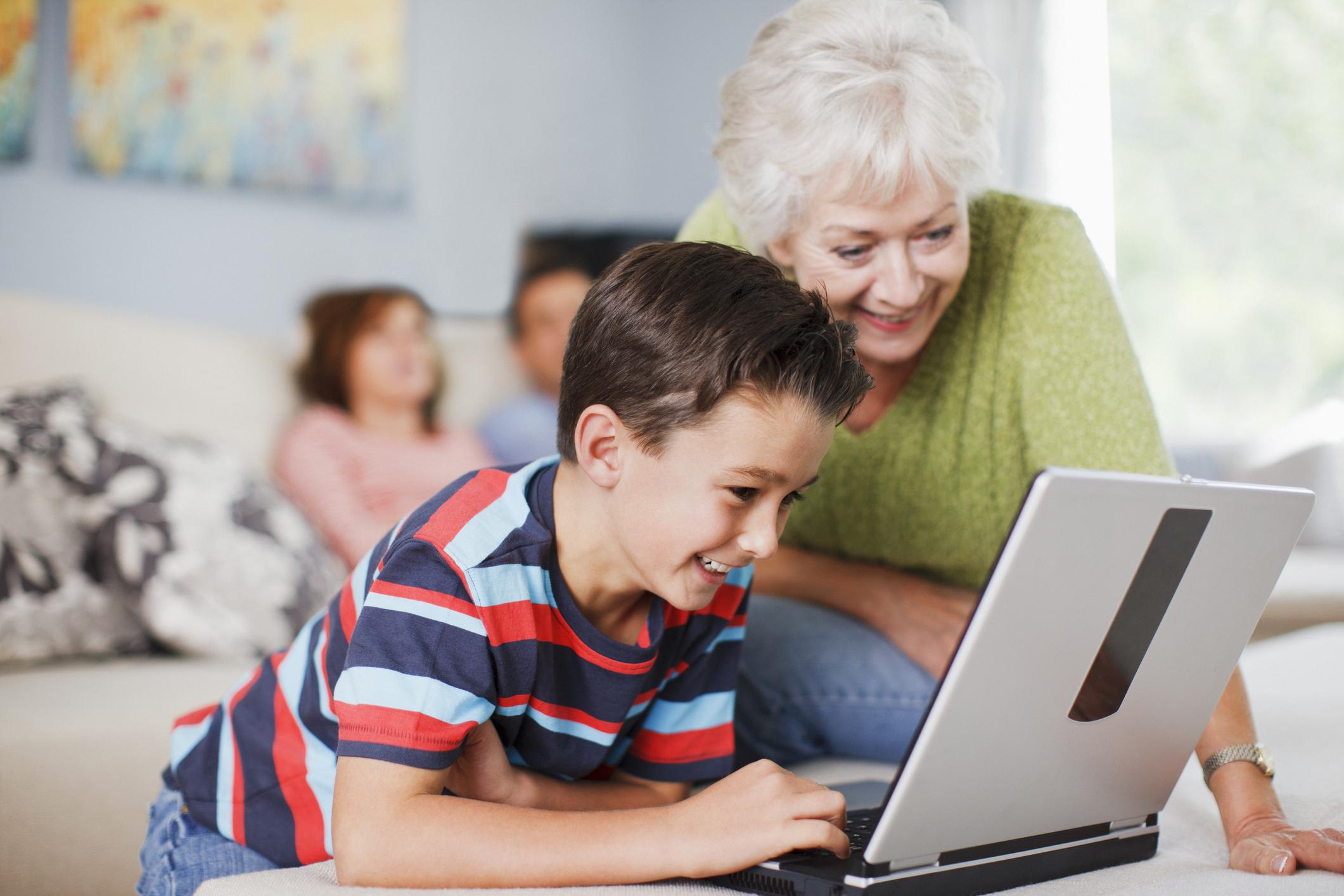 children-designing-shades-with-grandparents