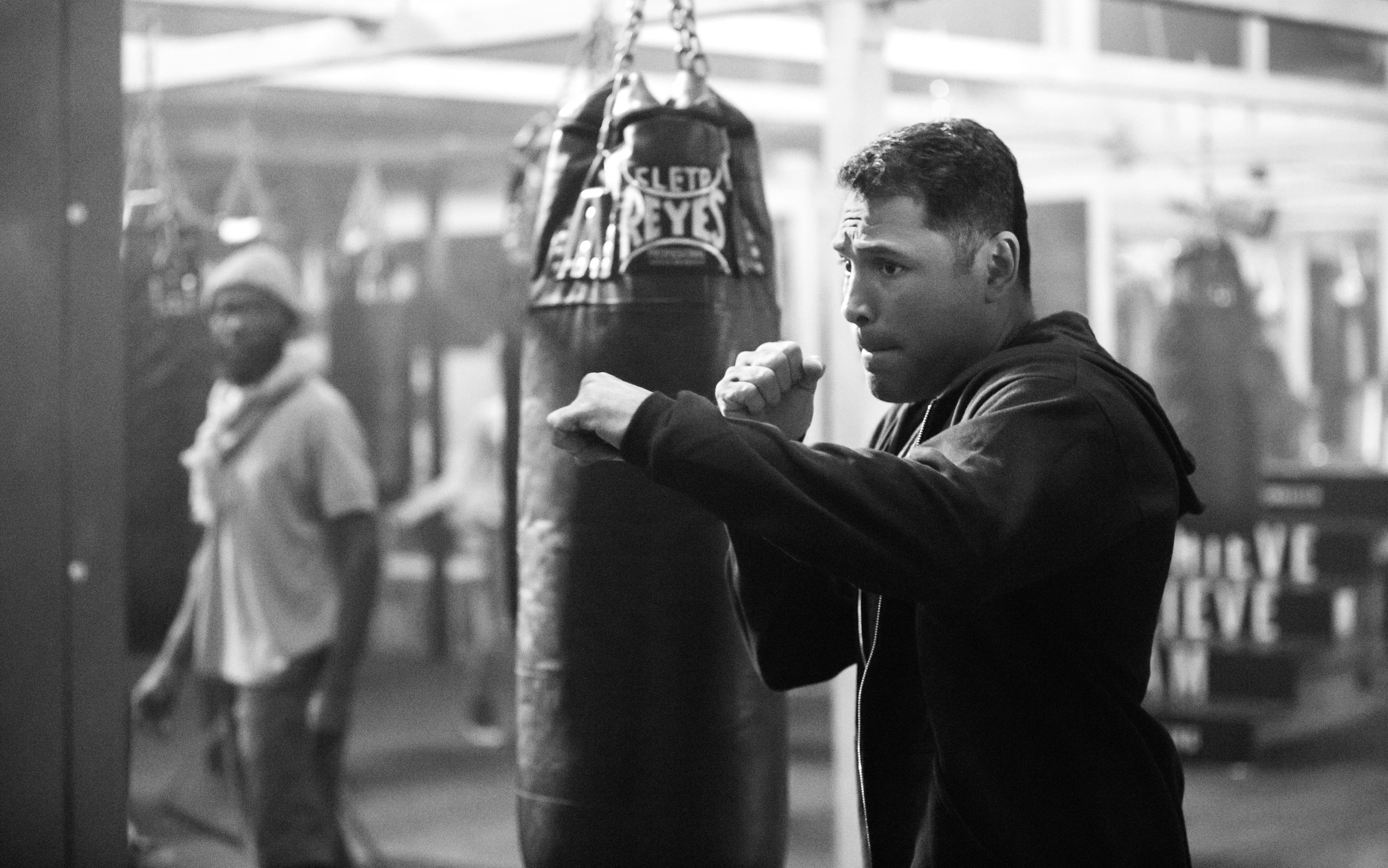 GREEN DOT_OSCAR DE LA HOYA (30 of 37).jpg