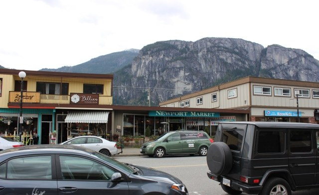 There's lots to do and see in downtown Squamish... especially thrift shops. (image:  valleymom.ca )