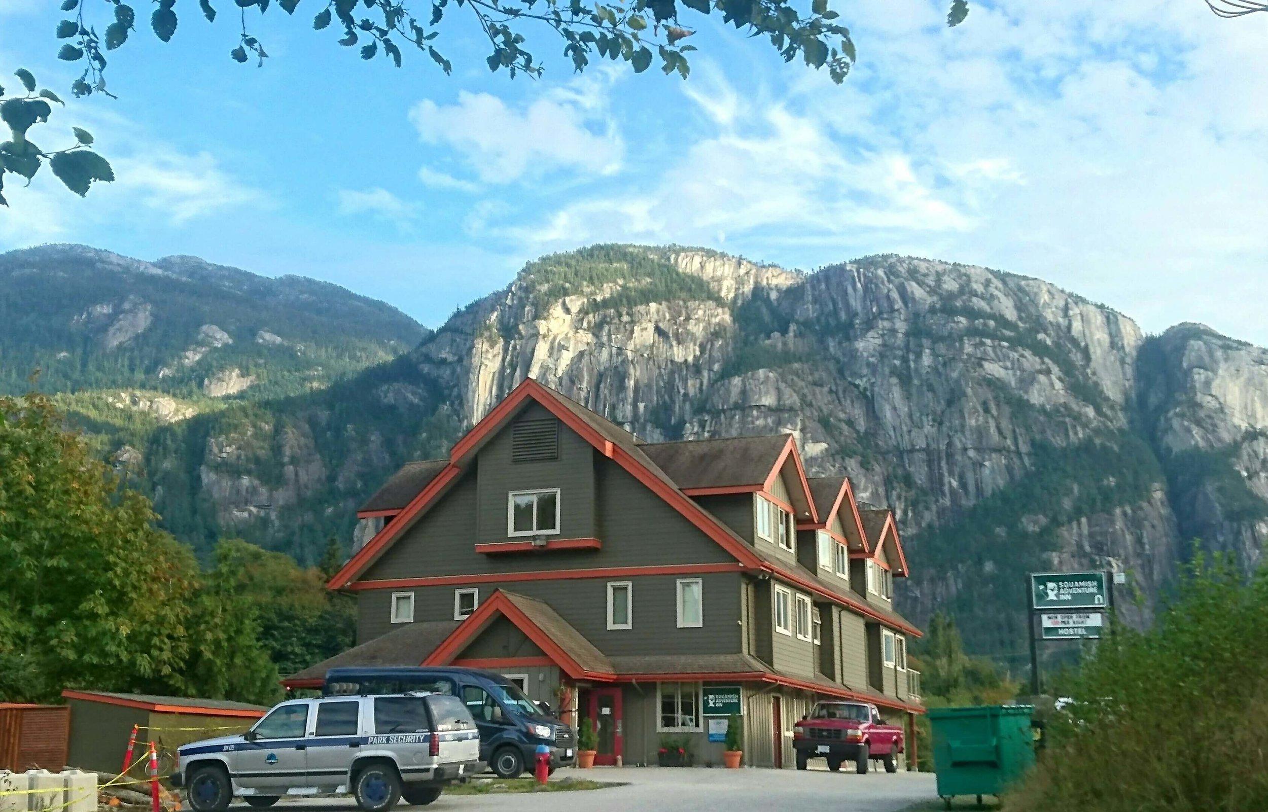 hostel-outside-beautiful-google.jpg