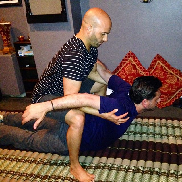 Four years ago today, I had my practice at Satori Holistic on the Upper East Side. Google photos just sent me this photo. Back then, I was still practicing a little bit of Thai Massage technique from time to time.  Thai massage is one of the reasons why I first went to massage school back in 2006. For the last several years, I've been using my #acrokinetic mobilization method instead because I find that using gravity to decompress spines is way more efficient. Also, it's way more FUN!  Why not have a little fun with our healing? Have you tried my AcroKinetic work, yet? Next week Wednesday, I'll be offering FREE DEMOS at The Assemblage in NoMad for all members. If you're not a member of The Assemblage and you want to join, send me a message and tell me why you think that you'd benefit from spinal decompression techniques and if your answer is good enough then I just might invite you in as a guest!  #kineticreleasetherapy  #hararimethod
