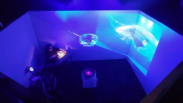Deep Surface by @detroitbureauofsound @justchilling68419 at @mi_sci thru August 17 in the DEPTH exhibition @scigallerydet . Sound moving water and light at 3hz and 32Hz with harmonics. Standing waves are dope. Thanks to @luzthegooz for capturing 💧 💧 🔊 _____ #waterart #soundart #lightart #projectionart #artinstallations #subwoofer #eurorack #modular #caraudio #audiophile #summerofsciencedetroit #detroitmusic #detroitart #detroitartists #soundartist #waterislife #standingwaves #physics #steam #modularsynth #3hz #432hz #hz #modularsynth #detroit #hellyeahdetroit