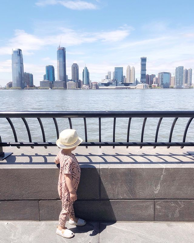 { w h e r e. a r t. t h o u } Will the sun come out to play please??? Swipe to see our current view... 😱 . Don't miss @hunter_and_rose giveaway if you love this romper as much as we do! . . . . . #nyc #thebigapple #prettycitynewyork #picturesofnewyork #what_i_saw_in_nyc #wanderlust #mytinyatlas #darlingescapes #dametraveler #passionpassport #welivetoexplore #athomeintheworld #hello_worldpics #letthembelittle #mytinymoments #childhoodunplugged #candidchildhood #magicofchildhood #littlefierceones #treasuringlittlememories #mom_hub #clickinmoms #enchantedchildhood