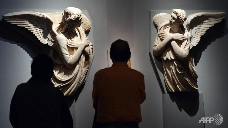 due-angeli-adoranti-by-michelozzo.jpg