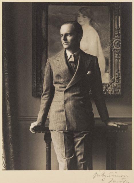 kenneth-clark-in-front-of-renoir-la-baigneuse-blonde-1933.jpg
