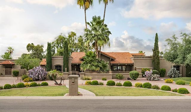 Beautiful home in Scottsdale . . . . #architecture #photography #architecturephotography #scottsdale #phoenix #arizona #explore #discover #cool #outside #nikon #luxuryhomes #luxuryrealestate