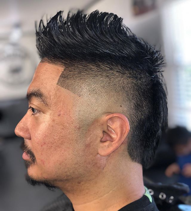 """Come as you are, leave looking your best "". ✨ _________________________________________________________________________________________________ 💈✂Cut by: @MrCardin -Groom Room Barbershop 