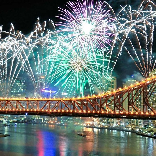 Get ready Brisbane - Riverfire is just around the corner! If you're heading in to the city & looking for a bite to eat before the show, we're open for Dinner from 6 o'clock! Find us at 95 Charlotte Street @thecrofthousebrisbane 🎆🎆🎆 #thecrofthousebrisbane #riverfire 📸 @thequeenslandtimes