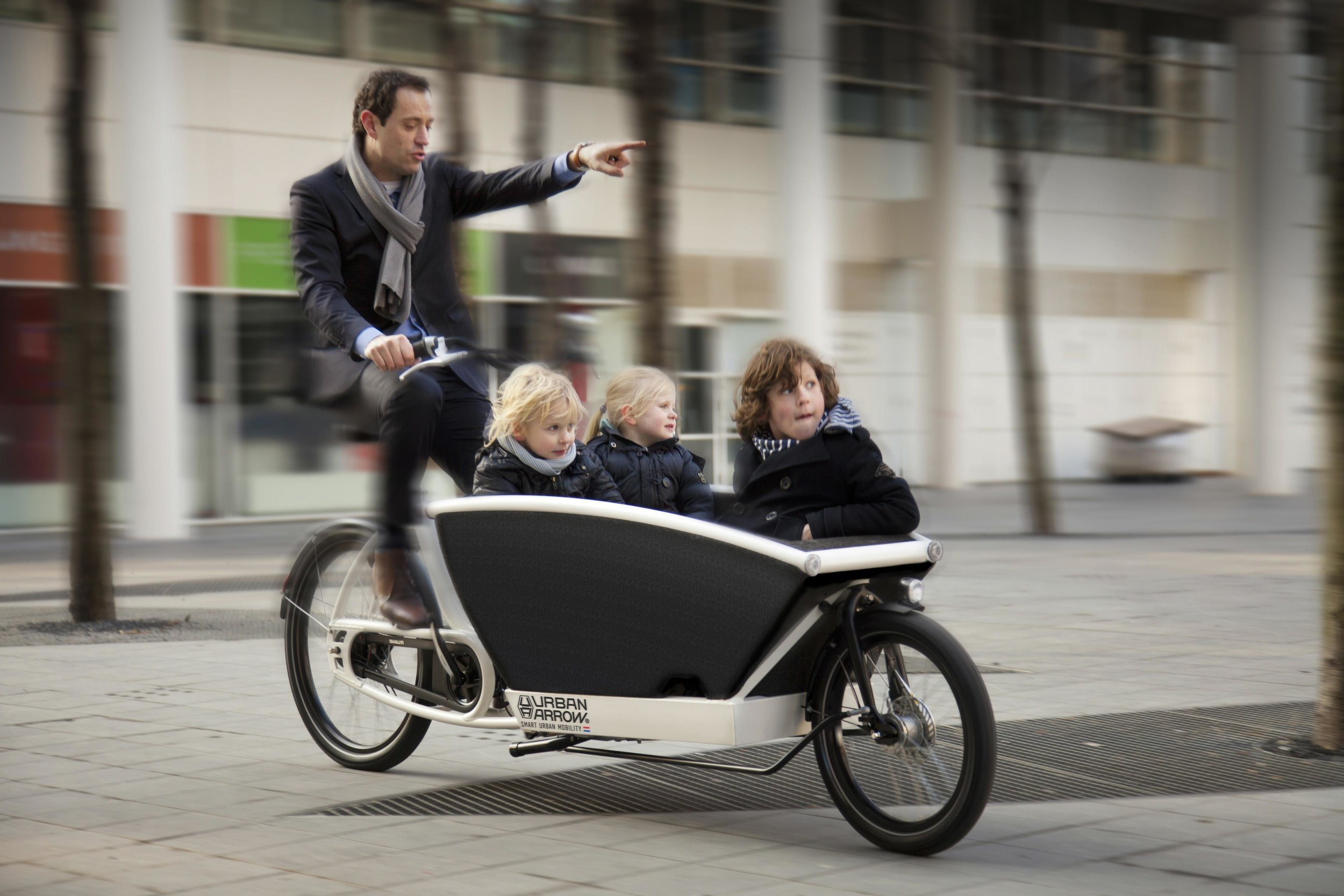 radstation-augsburg-ebike-family-bike-London-urban-arrow.jpg
