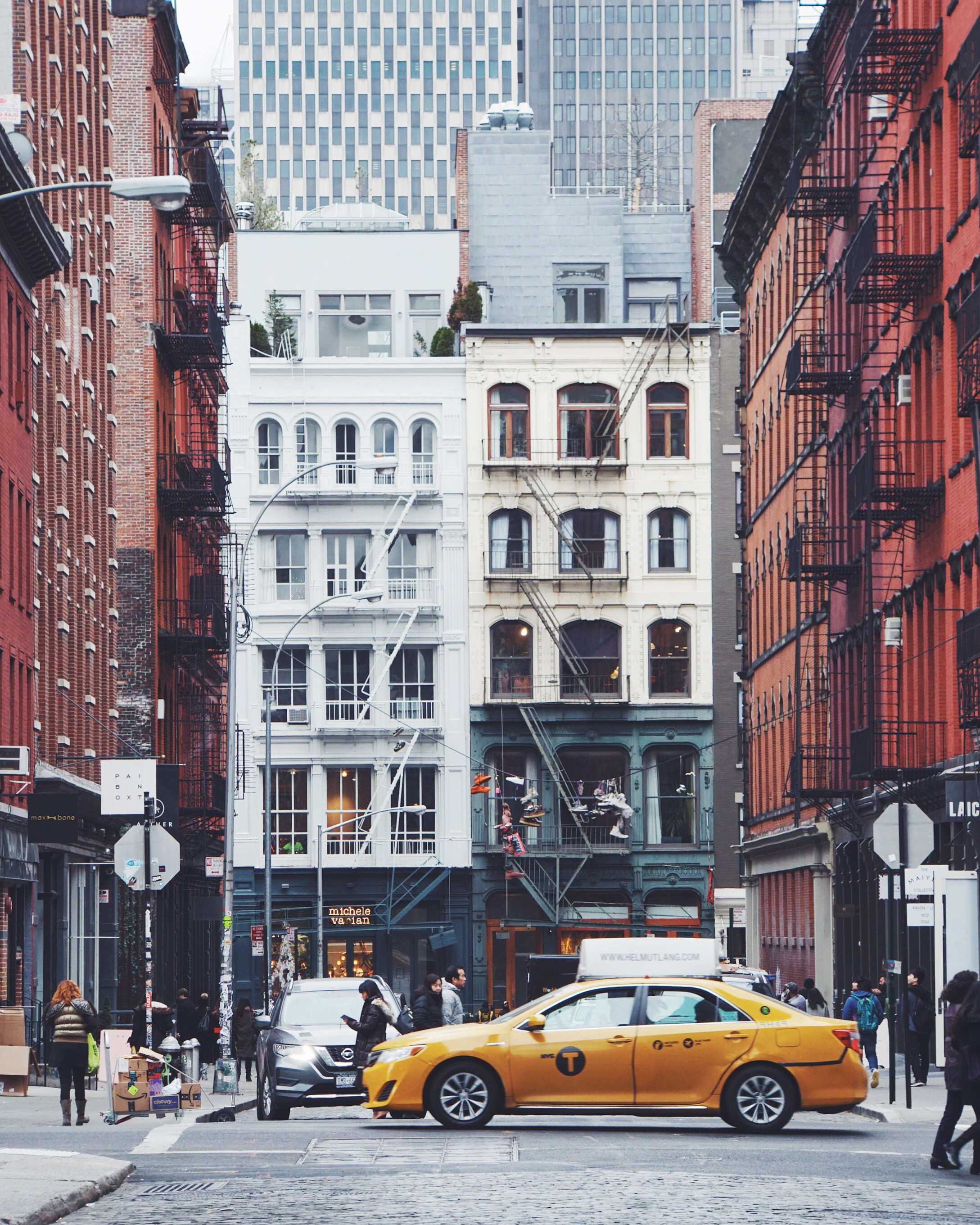 what is making it in manhattan? - Believe it or not- Making it in Manhattan the site came a few months after the idea of Making it in Manhattan the book was born. While still working at InStyle Magazine, I created Making it Manhattan as an outlet for anyone, who like me, was about to start out their career in the fashion industry. Maybe you wanted to get their foot in the door but had no where to turn, or really just had no idea what you were doing. Don't worry, you're not alone. That was me back in 2013/2014 when I was just about to graduate college, I knew absolutely no one in the fashion industry, and yet, I knew it was where I belonged. So day in and day out, as I sat behind my desk at InStyle, now two years out of college and into my career- I felt as though I owed it to aspiring fashion hopefuls to share what I had learned. You see, there was no roadmap, no all encompassing beginners guide book, or a place I could turn to feel less alone. So I set out to create one. Because no matter how much you've already