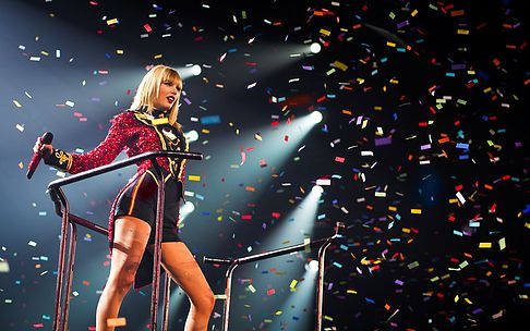6. Taylor Swift:  She may be the youngest person on this list, but one thing is for sure, she's definitely one of the most famous. Taylor began her career as a country singer but recently moved on to being a pop icon. She is said to be one of the biggest stars in the world. Everything she touches turns into gold. She sits at #6 with a net worth of $220 million.