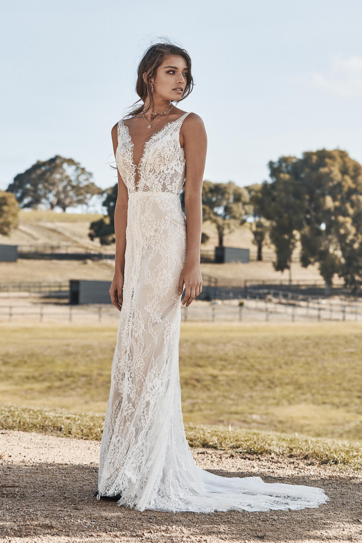 chosen-new-reign-frankie-wedding-dress-side-colour.jpg