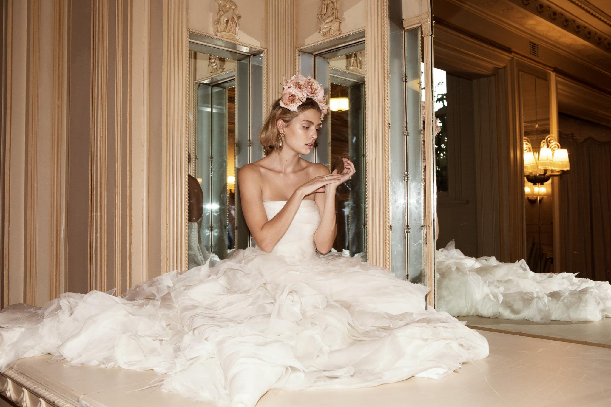 onedaybridal-1985-wedding-dress-collection-valentyna-1_preview.jpeg