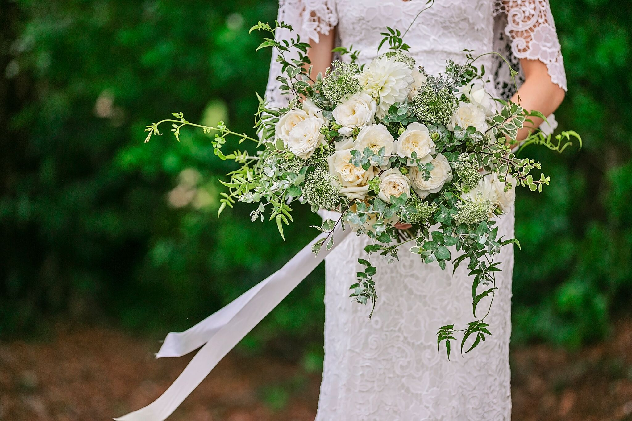 mondo Floral Designs - Specialising in weddings — actually that is all they do — the Mondo Floral Design team are focused on weddings and get super excited about creating luscious floral concepts for your special day.