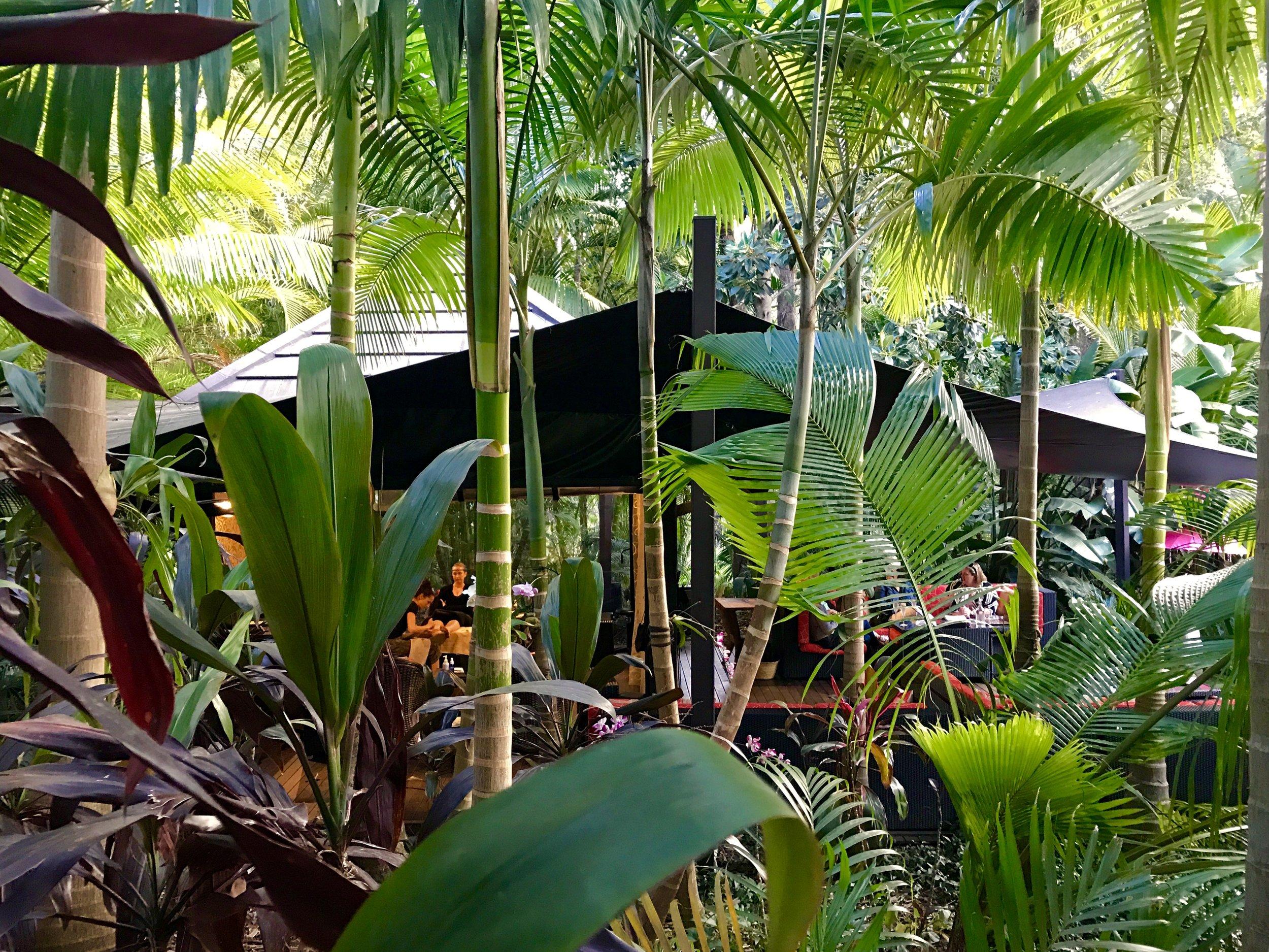 ikatan-garden-roomHR.jpg