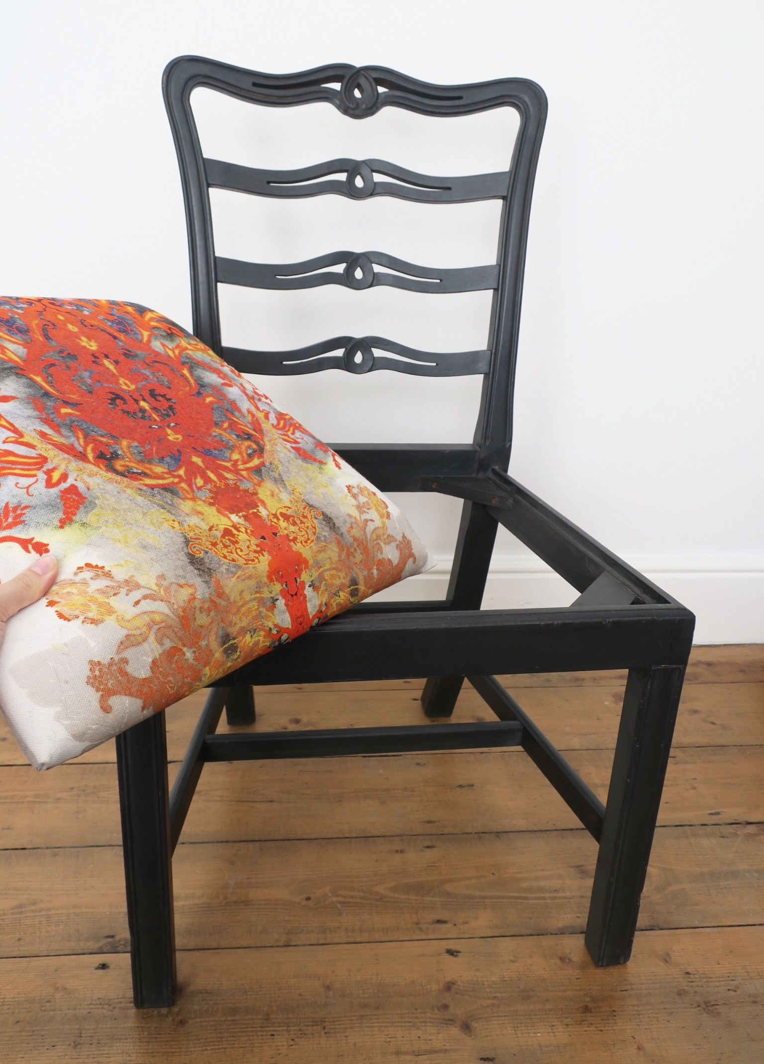 UP-CYCLED CHAIR MAKEOVER - The Grown Up Edit