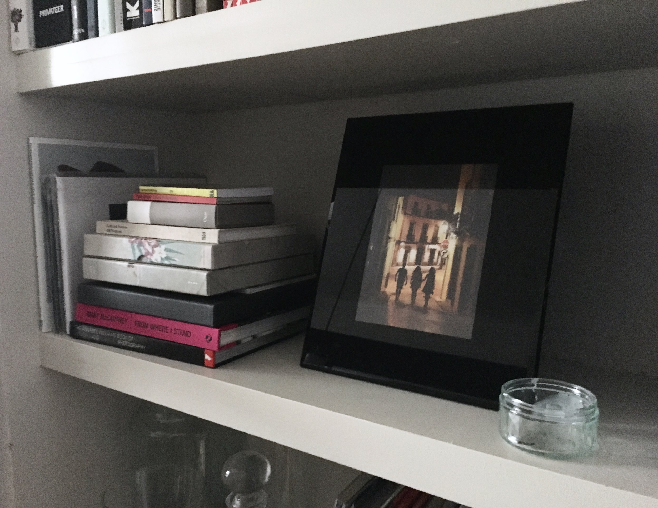 STYLING YOUR BOOKSHELVES - The Grown Up Edit
