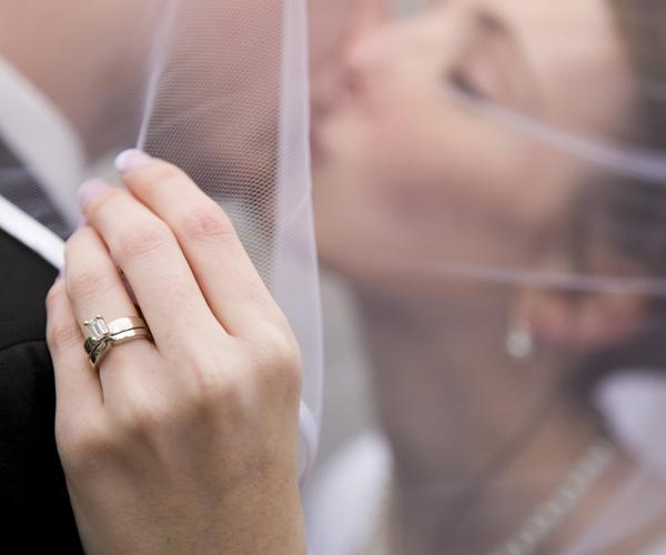 sposa sposo anelli fedi nuziali